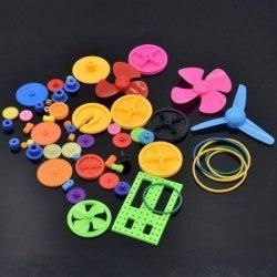 Zestaw 55 plastikowych elementów i zębatek do budo