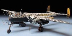Tamiya 61057 Heinkel He 219 Uhu