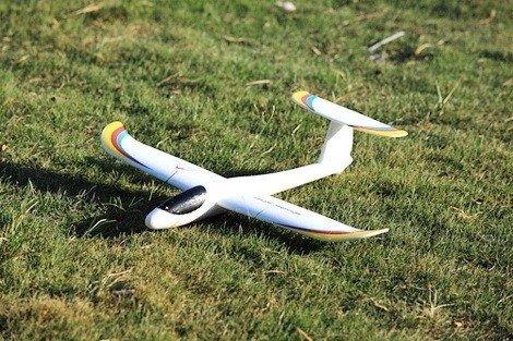 Szybowiec Jantar swobodnie latający