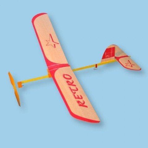 Samolot SÓJKA z napędem gumowym