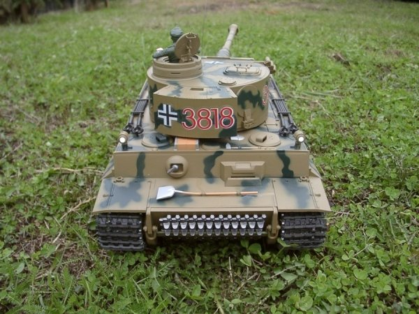 Czołg German Tiger 1  1:16  + Dym  + Metal + Kamuflarz Heng Long