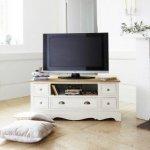 W poszukiwaniu idealnej szafki pod telewizor