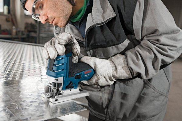 Bosch Wyrzynarka GST 150 CE blue