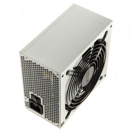 NZXT Hale82 V2 550W, 2x PCIe, Kabel-Management