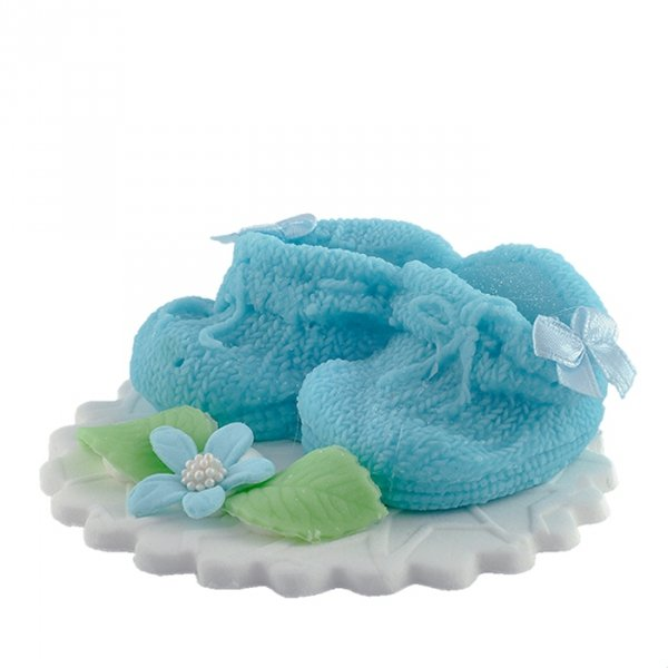 Buciki niebieskie - dekoracja tortu na chrzest