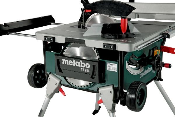 Stołowa pilarka tarczowa Metabo TS254 z podstawą i funkcją wózka