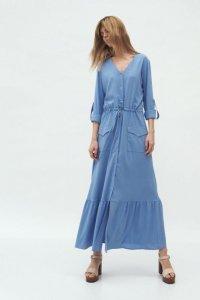 Długa niebieska sukienka z kieszeniami - S174