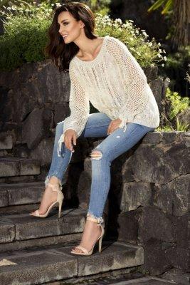 Modny ażurowy sweter LS201 beżowy