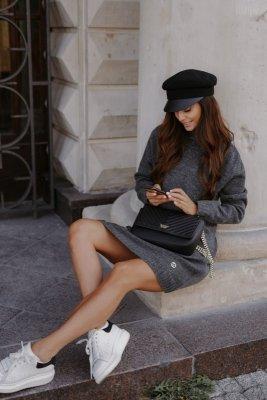 Swetrowa sukienka z golfem i guzikami LS304 grafit