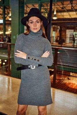 Swetrowa prążkowana sukienka z golfem i guzikami LS311 grafit