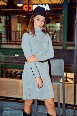 Swetrowa prążkowana sukienka z golfem i guzikami LS311 jasnoszary