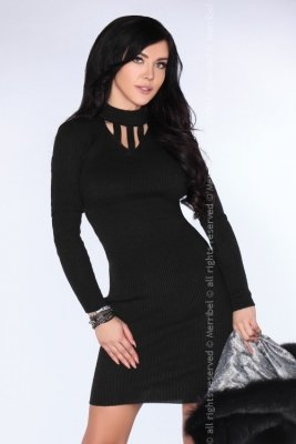 Yaena Black sukienka