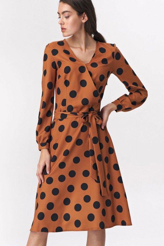 Brązowa rozkloszowana sukienka w grochy - S136
