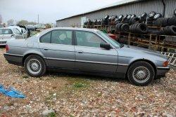 Szyba drzwi przód prawa BMW 7 E38 1994 Sedan