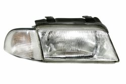 Reflektor prawy Audi A4 B5 1994-1998