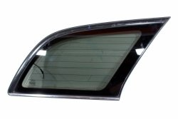 Szyba karoseryjna prawa Toyota Avensis T25 2007 Kombi