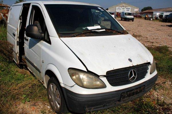 Szyba drzwi przód prawa Mercedes Vito W639 2004