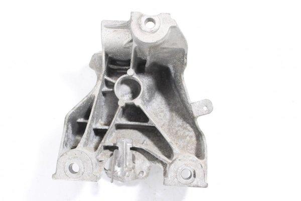 Łapa mocowanie silnika VW Phaeton GP3 2010-2014 4.2 V8