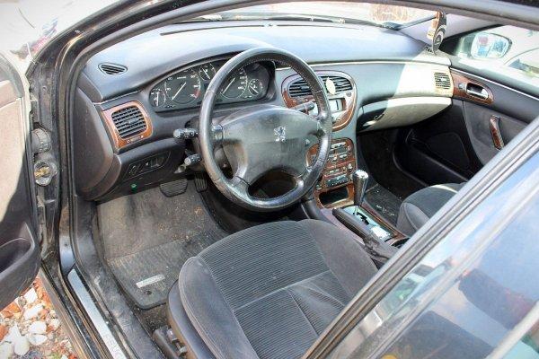 Peugeot 607 2003 3.0i V6 XFX Sedan