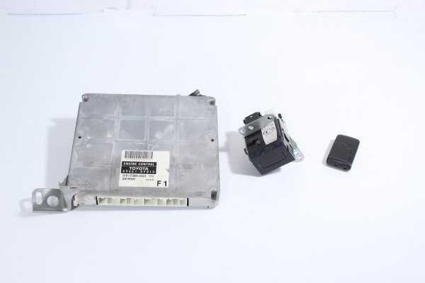 Komputer stacyjka czytnik Toyota Corolla Verso 2004 2.0D4D