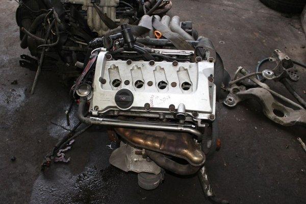Wał korbowy Audi A4 B6 S Line 2001 2.0i ALT