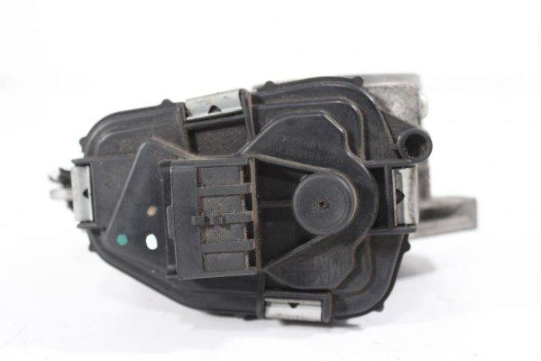 Przepustnica Citroen C4 2006 1.4i