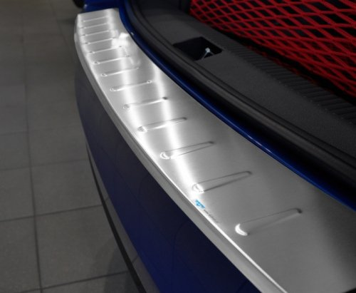 SEAT ALHAMBRA / VW SHARAN II od 2010 Nakładka na zderzak z zagięciem tłoczona (stal)