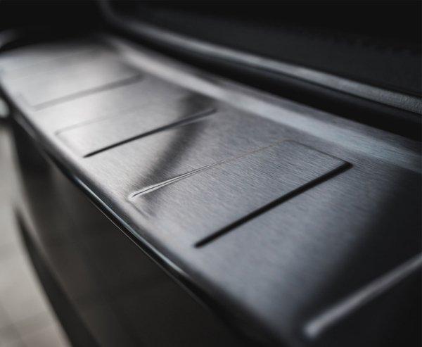 BMW X5 F15 od 2013 Nakładka na zderzak TRAPEZ Czarna szczotkowana