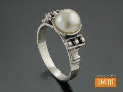 DELFY PEARL srebrny pierścionek perłą roz.13