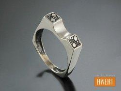TORRE srebrny pierścień oksyda roz.12