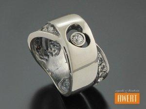 BESER CRYSTAL srebrny pierścień z cyrkonią roz.12