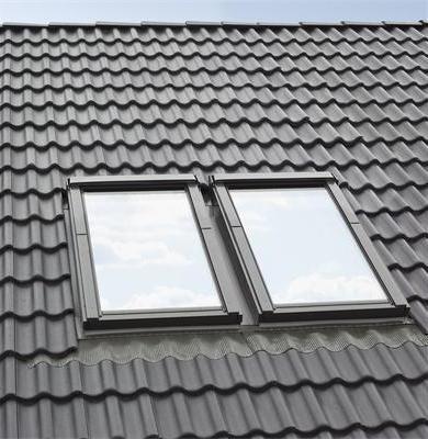 Kombi-Eindeckrahmensystem Fakro KHN B2/1 für hochprofilierte Eindeckmaterialien www.house-4u.eu