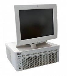 Zestaw POS Wincor Nixdorf: komputer kasowy BEETLE M-II plus + Monitor BA82 ze stojakiem (używane)
