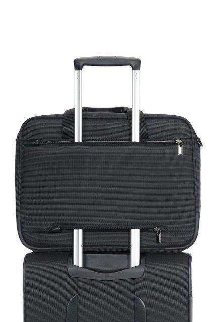 Możliwość nałożenia torby na stelaż innego bagażu
