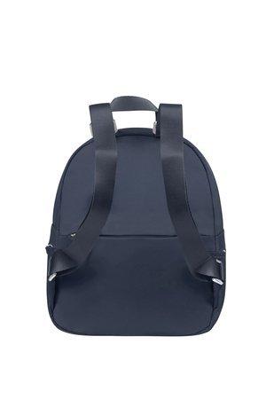 Plecak na tyle posiada kieszeń zamykana na suwak