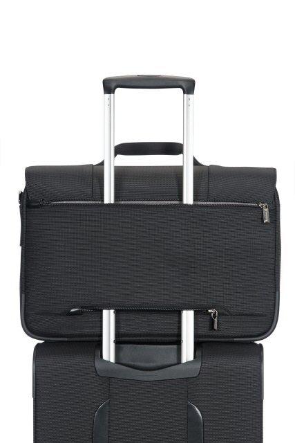 Teczkę można nałożyć na stelaż innego bagażu