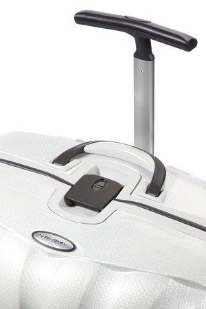 Bagaż posiada górny oraz boczny uchwyt. Bagaż posiada wysuwany stelaż do wygodnego prowadzenia