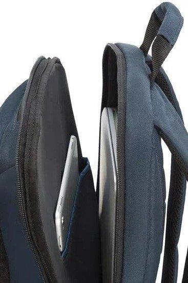 Plecak posiada kieszeń na laptopa oraz tablet, górny uchwyt, kieszeń na dokumenty, kieszeń na klucze, kieszeń organizacyjną