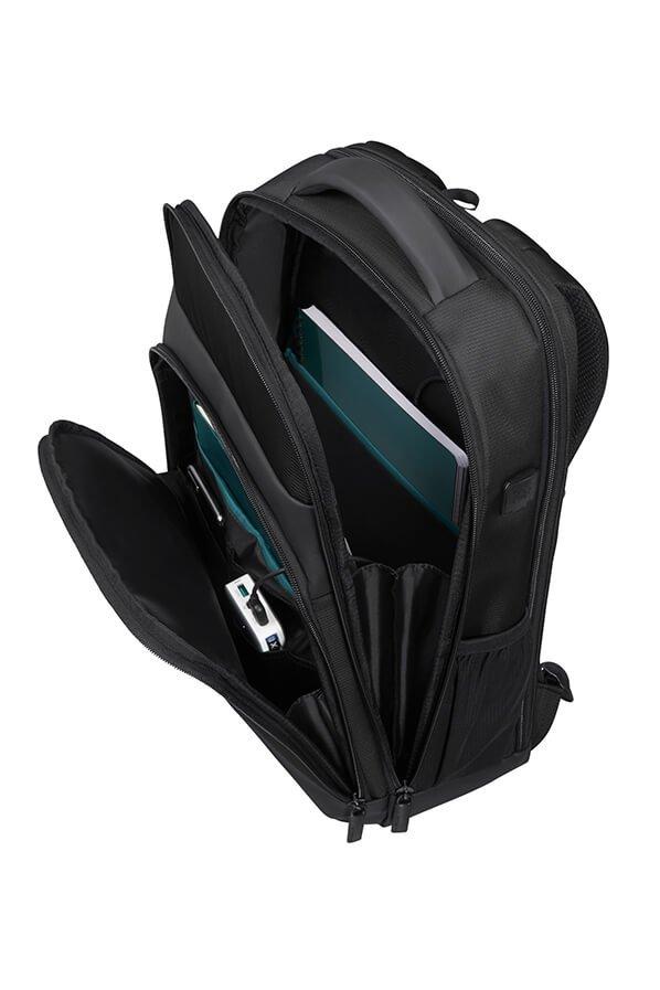 Plecak posiada dwie główne komory oraz zewnętrzne kieszenie. Tylna komora posiada miejsce na laptopa oraz tablet. Przednia komora na dokumenty. Plecak posiada miejsce na powerbank
