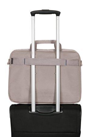 Torba na tyle poiada pas, który umożliwia nałożenie torby na stelaż bagażu