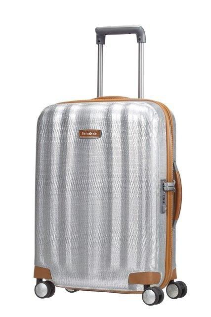 Bagaż podręczny o wymiarach 55x40x23 cm