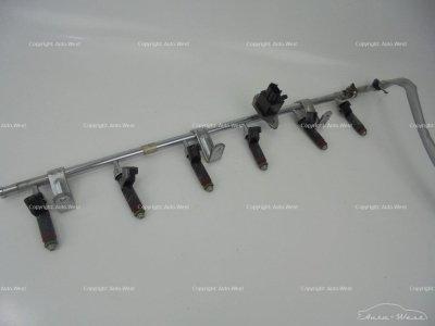 Aston Martin DB9 Fuel injectors with rail