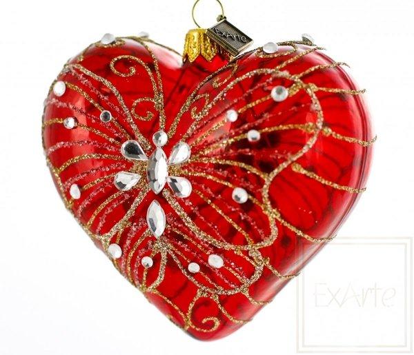czerwone bombki serca z motylem