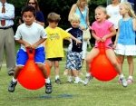 Piłki do skakania dla dzieci – jakie warto kupić?