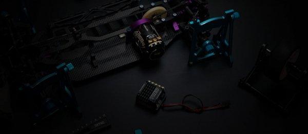 Silnik bezszczotkowy SkyRC Ares Pro V3 10.5T 3950 kV SPEC