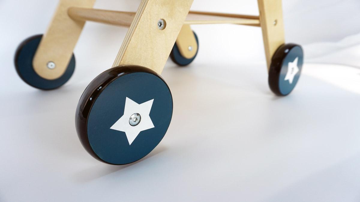 Drewniany Wózek Superbohatera - chodzik pchacz