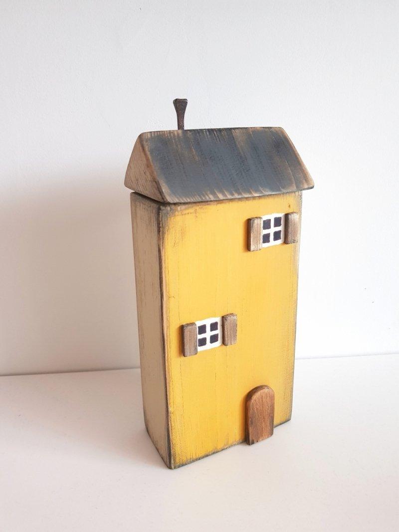 Drewniany domek musztarda/beż