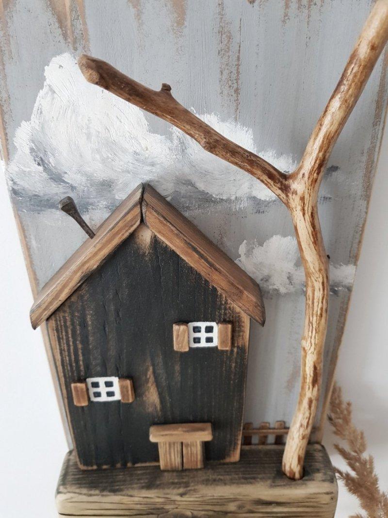 Drewniany wieszak na klucze domek z drzewem czarny