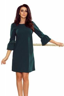 Pudełkowa sukienka z rękawem 3/4 zakończonym rozkloszowaniem i koronkową wstawką
