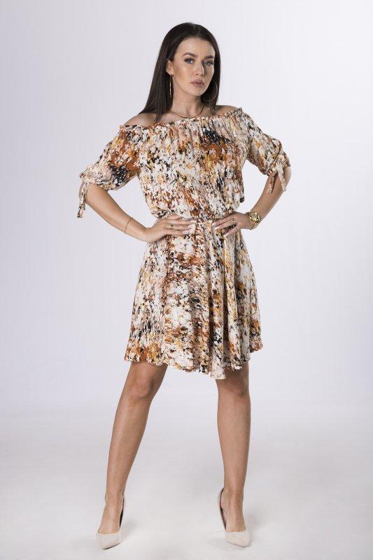 sukienka z hiszpańskim dekoltem